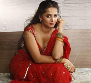 Anushka Hot Thigh Photos 2011