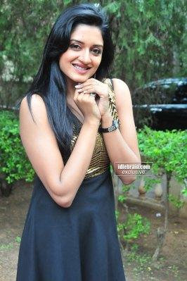 Actress VIMALA RAMAN MASALA Hot Desi Photoshoot Pictures Gallery