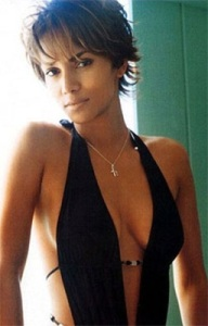 Halle Berry, Halle Berry Hot, Pictures, Pics, Wallpaers & Photo Gallery 2011