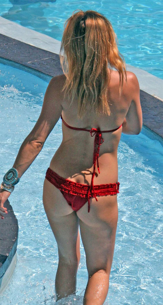 kate hudson bikini ... having trouble. We know about it. Please don't report trouble with ...
