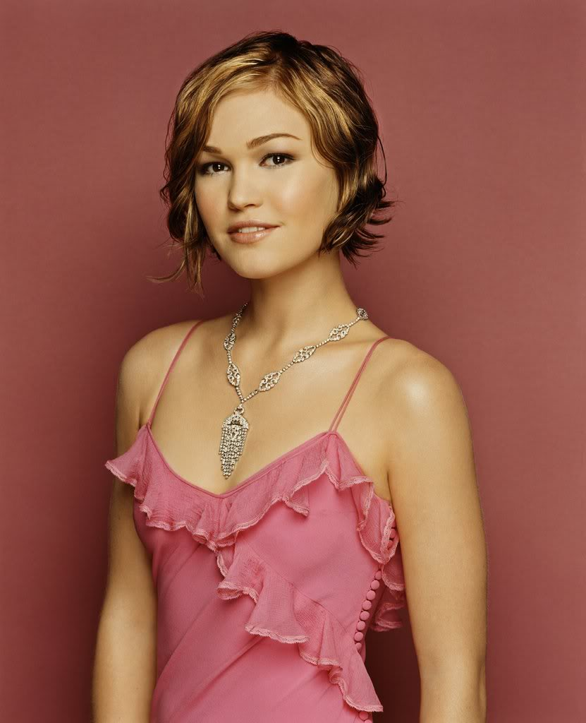 Actress Julia Stiles Hot Pictures 2011 Hotfemale